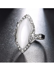 Bohemian White Resin Finger Ring Vintage Rhinestone Oval Opal Geometric Rings Jewelry for Women