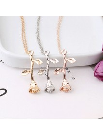 Trendy Three-color Rose Flower Pendant Necklace Valentine's Day Gift Ladies Jewelry