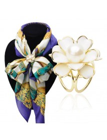 Elegant Black White Flower Pearls Scarf Buckle Brooches Brooch Charm Gift for Women