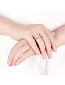 Luxury Diamonds Wedding Ring Elegant Water Drop Zircon Stone Silver Engagement Ring for Women